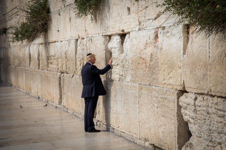 Trump verplaatst ambassade naar Jeruzalem