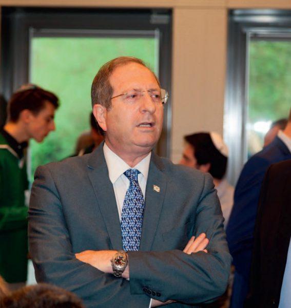 Ambassadeur Israël reageert op rel rond NRC-journalist die Israël moet verlaten