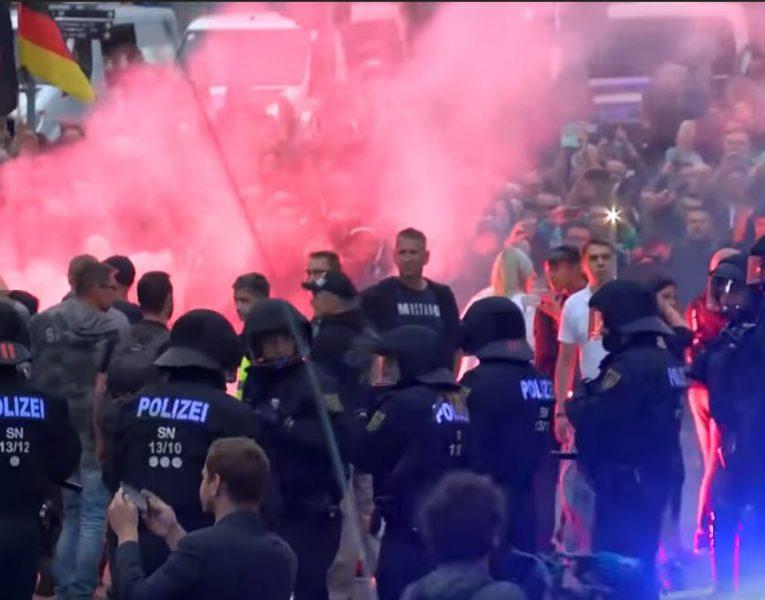 Neo-nazi's vielen Joods restaurant in Chemnitz aan
