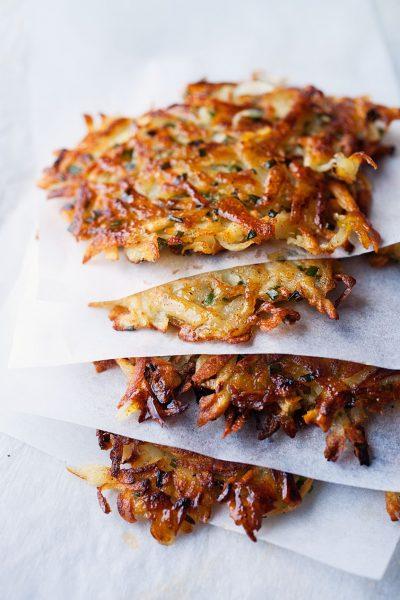 Kanen met Krant: Latkes van aardappel en pastinaak